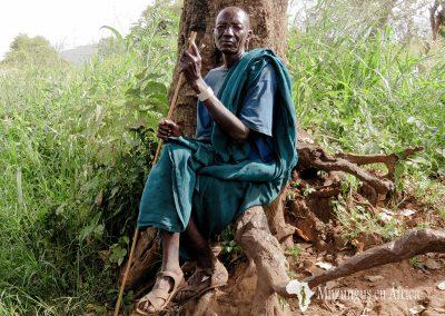 Anciano de la tribu Surma | Región de Kibish (Valle del Omo), sur de Etiopía (07 de junio de 2016) | © Juan Pablo Guevara