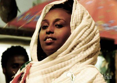 Bailarina de Habesha 2000 Restaurant | Addis Ababa, Etiopía (03 de noviembre de 2017) | © Juan-Pablo Guevara